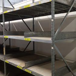 Rafturi pt piese rafturi zincate pt piese auto sau alte pise mici disponibil pe stoc 15 metri liniari polite lamelare zincate care pot fi folosite si ca separatoare (vezi foto)